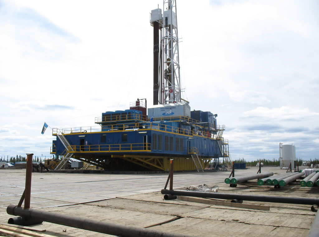 Services include design and field support of oil rig moving systems