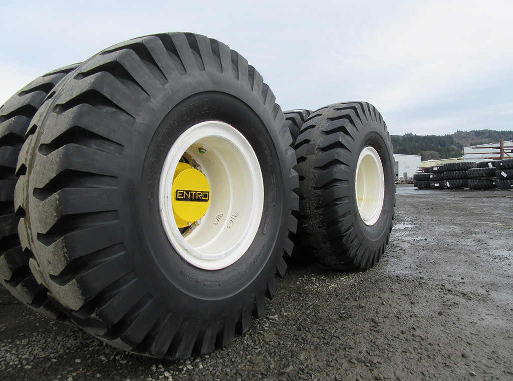 heavy-duty tires and axels on the heavy haul jeeps provide high capacity and reliability